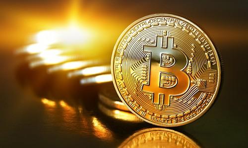 Bitcoin đang có giá cao kỷ lục, hơn 3.012 USD.