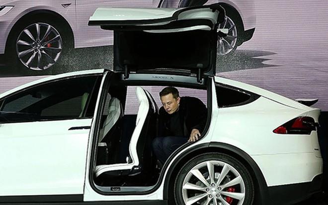Thói quen đặc biệt của ông chủ hãng xe điện Tesla - ảnh 1