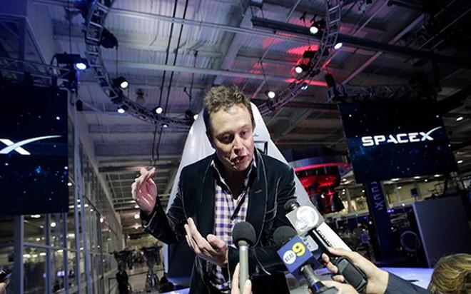 Thói quen đặc biệt của ông chủ hãng xe điện Tesla - ảnh 6