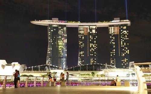 Khu nghỉ dưỡng-sòng bạc nổi tiếng Marina Bay Sands của Singapore - Ảnh: Nikkei Asian Review