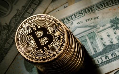 Giá Bitcoin đang trải qua một giai đoạn biến động mạnh sau khi liên tục lập kỷ lục - Ảnh: Fortune.