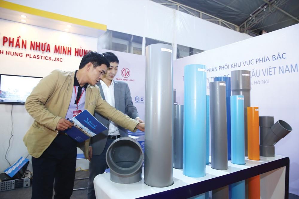UBND TP.HCM giao Sở Kế hoạch và Đầu tư trách nhiệm kiểm tra việc sử dụng vật tư, hàng hóa sản xuất trong nước trong hoạt động đấu thầu. Ảnh: Lê Tiên