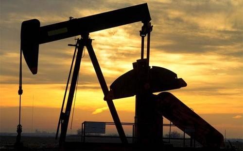 Mối lo lớn nhất trên thị trường dầu lửa lúc này là hoạt động mạnh mẽ của các nhà khai thác dầu đá phiến của Mỹ có thể sẽ nhấn chìm những nỗ lực nhằm cắt giảm lượng dầu dư thừa trên toàn cầu của OPEC.
