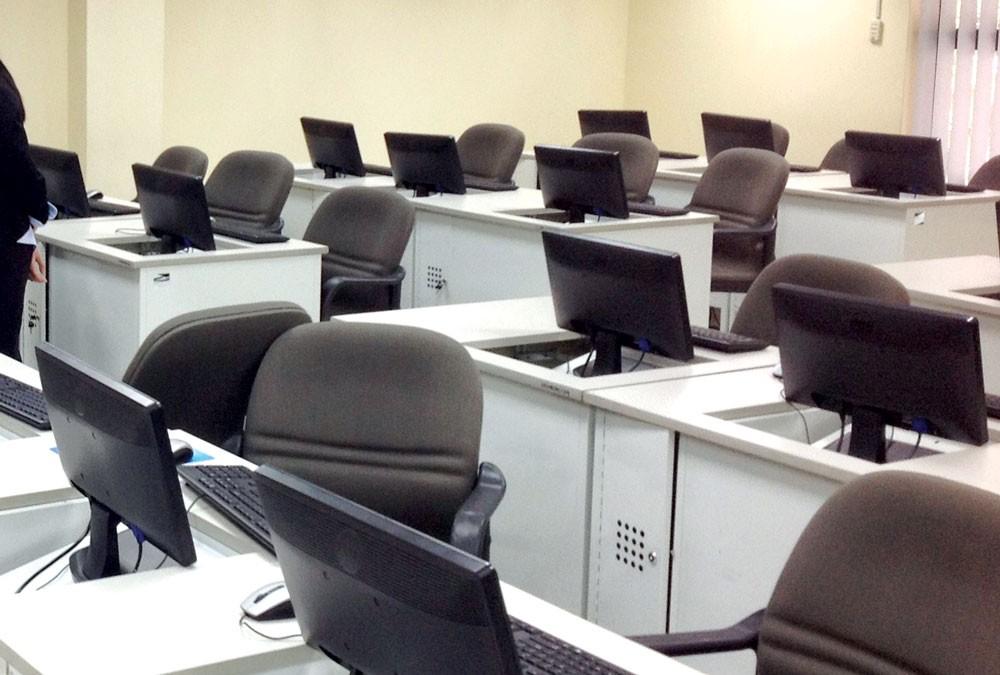 Gói thầu Mua sắm bộ máy tính để bàn, máy in, máy photocopy thuộc Dự án Mua sắm tài sản theo phương thức tập trung của tỉnh Bắc Ninh có sử dụng nguồn vốn ngân sách nhà nước cấp. Ảnh: Nguyễn Cường