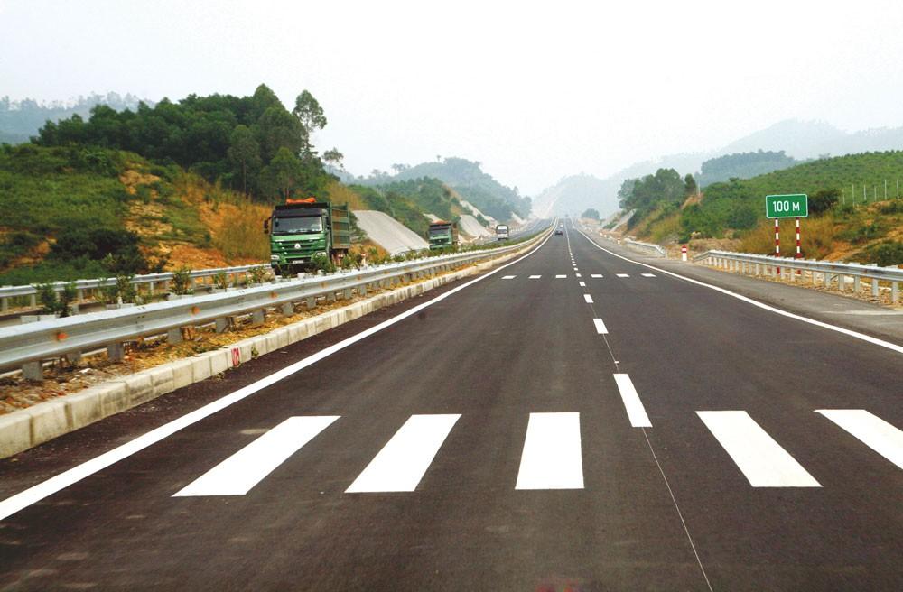 Theo tính toán của VEC, Hạng mục an toàn giao thông thuộc Dự án cao tốc Nội Bài - Lào Cai nếu được bổ sung vào Gói thầu A8 sẽ có giá trị thấp nhất. Ảnh: Lê Tiên