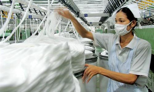 Sản phẩm sợi Việt Nam xuất sang Mỹ nằm trong 4 nước, vùng lãnh thổ bị điều tra chống bán phá giá.Ảnh: Vinatex