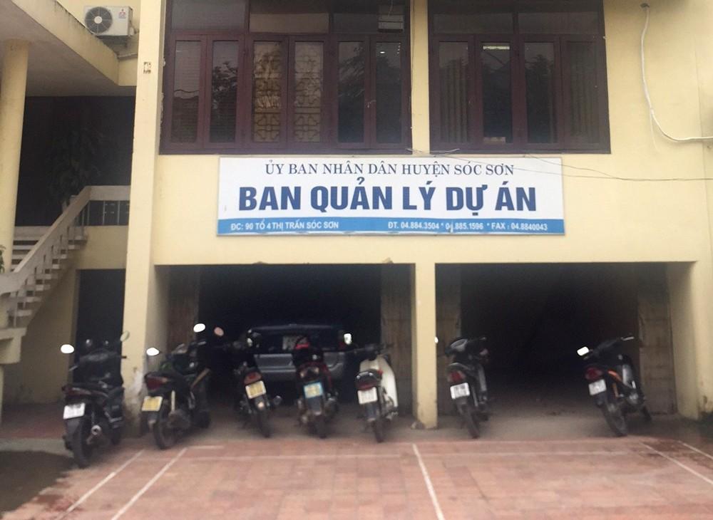 Tất cả thông báo mời thầu của Ban QLDA ĐTXD huyện Sóc Sơn đều không công khai số điện thoại liên hệ phát hành HSMT. Ảnh: Tuấn Dũng