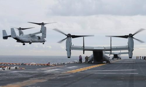 Phi cơ MV-22B Osprey Mỹ hạ cánh xuống tàu tấn công đổ bộ USS Bonhomme Richard ở ngoài khơi Sydney, Australia, ngày 29/6. Ảnh:Reuters.
