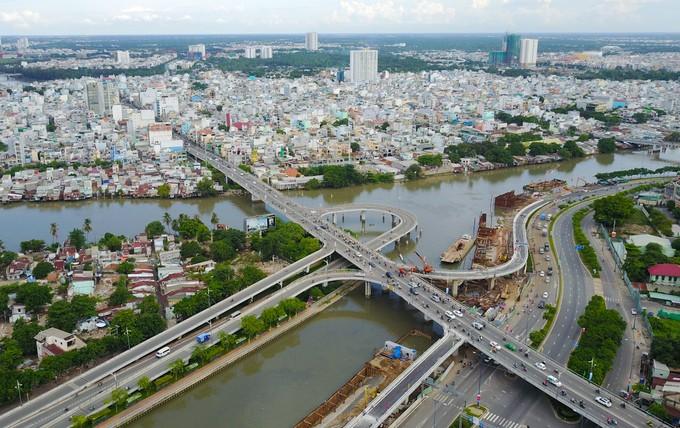 Nhánh cầu vượt chữ S nối đại lộ ở TP HCM xong trước 5 tháng - ảnh 1