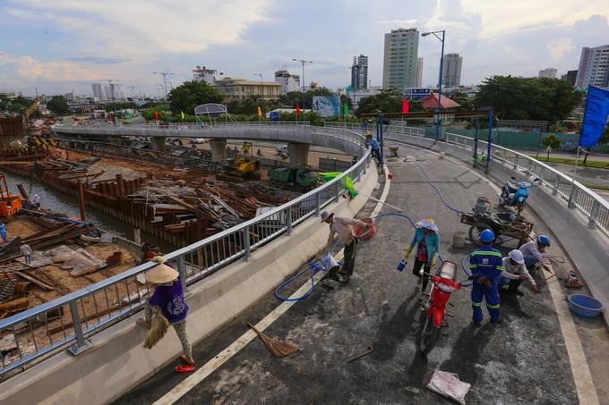 Nhánh cầu vượt chữ S nối đại lộ ở TP HCM xong trước 5 tháng - ảnh 4