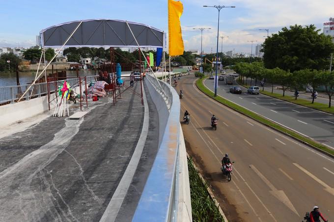 Nhánh cầu vượt chữ S nối đại lộ ở TP HCM xong trước 5 tháng - ảnh 6