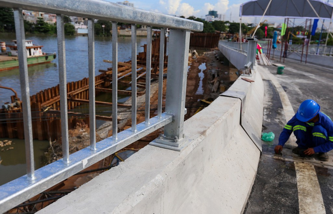 Nhánh cầu vượt chữ S nối đại lộ ở TP HCM xong trước 5 tháng - ảnh 7
