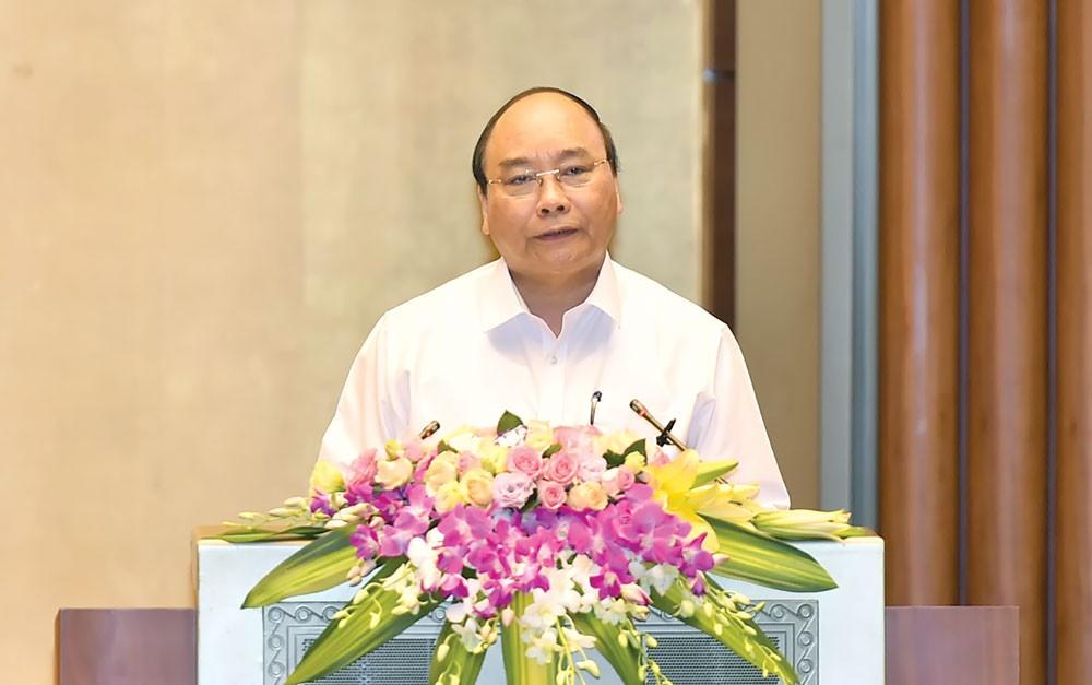 Thủ tướng Nguyễn Xuân Phúc phát biểu tại Hội nghị toàn quốc học tập, quán triệt Nghị quyết Hội nghị Trung ương 5, khóa XII của Đảng. Ảnh: Quang Hiếu