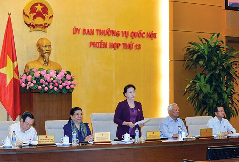 Chủ tịch Quốc hội Nguyễn Thị Kim Ngân chủ trì Phiên họp thứ 13 của Ủy ban Thường vụ Quốc hội