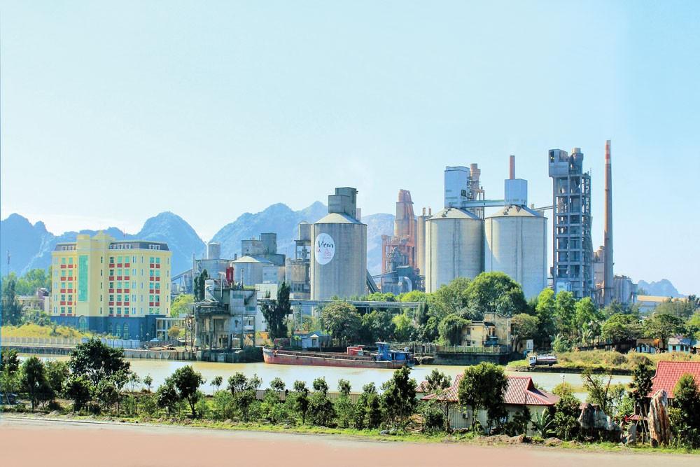 Xi măng Vicem Hoàng Thạch vẫn kiên trì với mục tiêu đề ra khi 7 tháng đầu năm lượng sản phẩm tiêu thụ đạt trên 2 triệu tấn