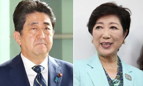 Thủ tướng Nhật Bản Shinzo Abe (trái) và thị trưởng Tokyo Yuriko Koike. Ảnh:Nikkei.