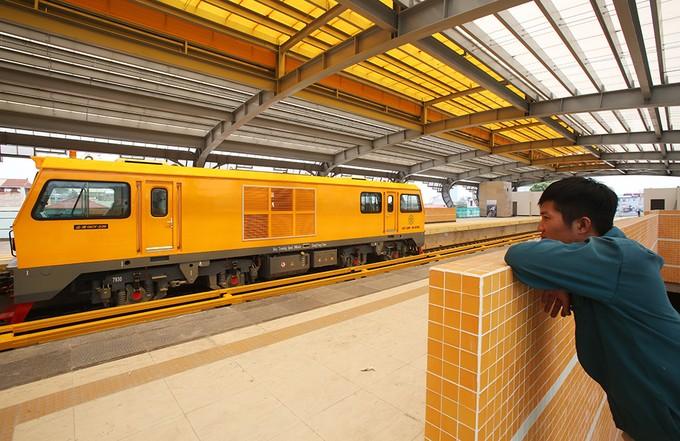 Tuyến đường sắt đô thị đầu tiên chạy tàu thử nghiệm - ảnh 11