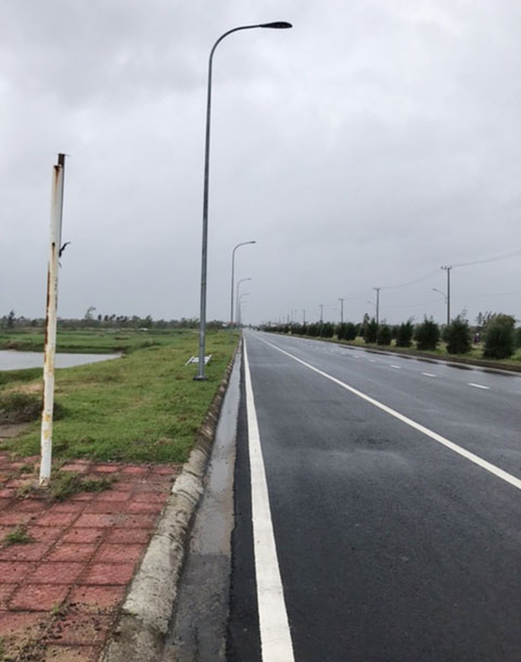 Gói thầu điện chiếu sáng, vỉa hè tại Tuy Hòa: Bị tố thi công trước đấu thầu - ảnh 1