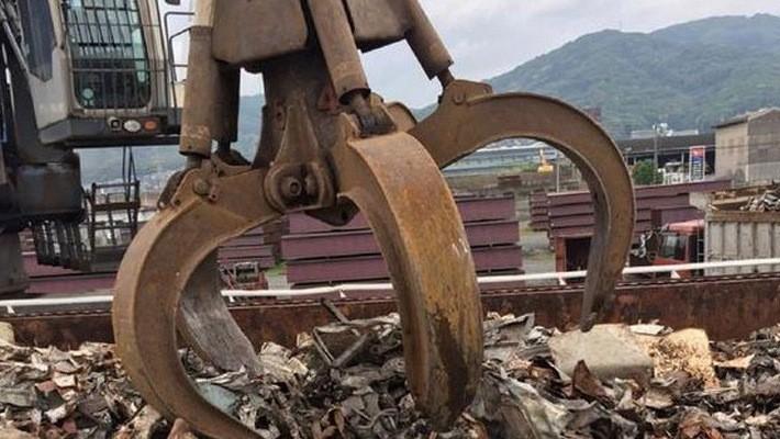 Trong 10 tháng đầu năm nay, Nhật Bản xuất khẩu trung bình mỗi tháng 680.000 tấn sắt vụn - Ảnh: Nikkei.