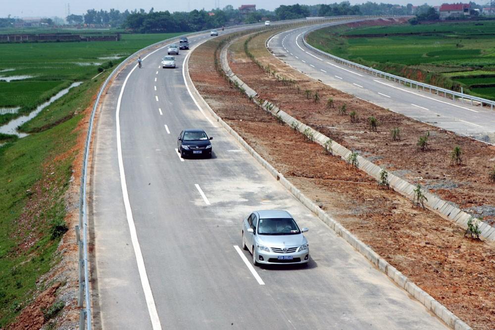 Dự án xây dựng tuyến đường Thái Nguyên - Chợ Mới (Bắc Kạn) và nâng cấp, mở rộng Quốc lộ 3, đoạn Km75 - Km100 đầu tư theo hình thức BOT. Ảnh: Huy Hùng