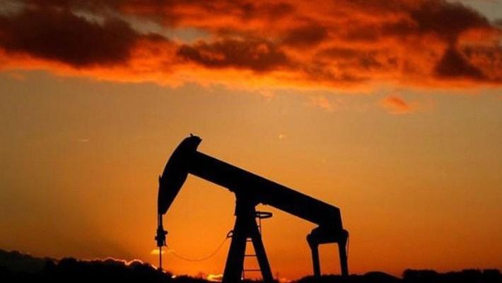 Năm nay, mức giá trung bình của dầu Brent vào khoảng 54 USD/thùng - Ảnh: Reuters.
