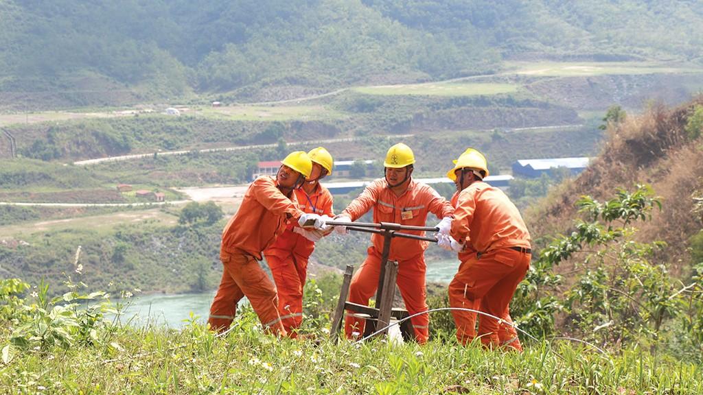 Điện lực Sơn La nỗ lực hoàn thành các dự án đúng tiến độ