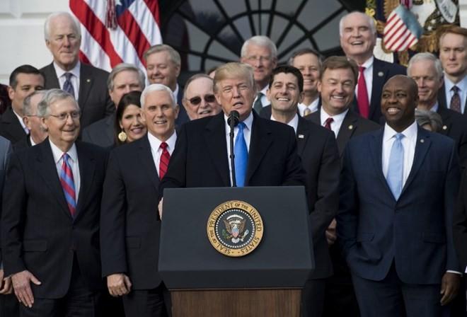 Tổng thống Mỹ Donald Trump phát biểu tại Nhà Trắng sau khi hai viện Quốc hội Mỹ thông qua dự luật cải cách thuế. (Nguồn: AFP)