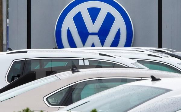 Xe Volkswagen tại một bãi đỗ xe ở Pontiac, bang Michigan, Mỹ. (Nguồn: AFP/TTXVN)