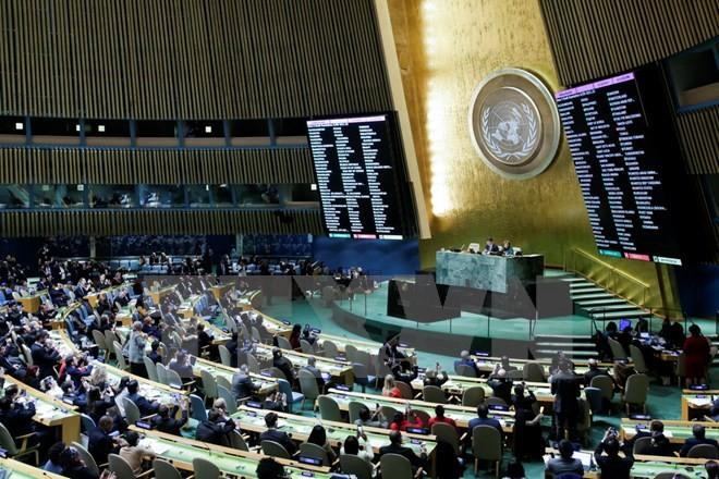 Toàn cảnh một phiên biểu quyết của Đại hội đồng Liên hợp quốc tại New York, Mỹ. (Nguồn: AFP/TTXVN)