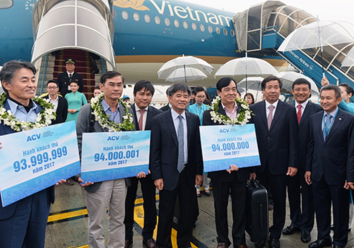 Sân bay Nội Bài đón vị khách thứ 94 triệu của Tổng công ty cảng hàng không Việt Nam. Ảnh:Xuân Hoa.