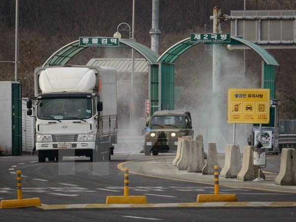 Ôtô di chuyển tại khu công nghiệp chung Kaesong. (Nguồn: AFP/TTXVN)