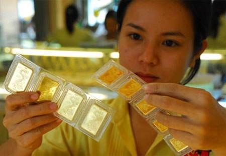 Giá vàng trong nước giảm nhẹ dù thế giới đi lên. Ảnh:PV.