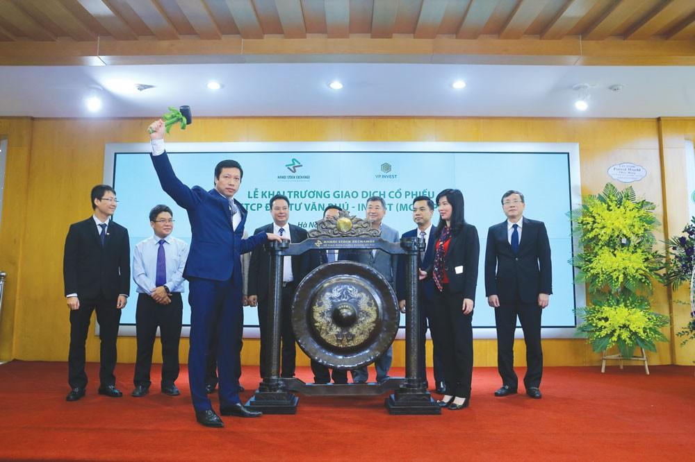 Lên sàn, bước ngoặt mới của Văn Phú - Invest - ảnh 1