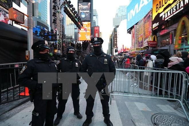 Một chốt kiểm soát an ninh tại New York, Mỹ ngày 31/12/2017. (Nguồn: THX/TTXVN)