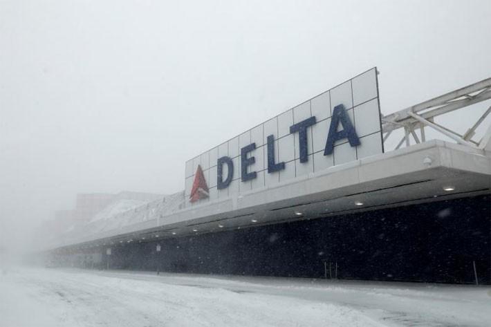 Nhiều thành phố Mỹ tê liệt vì siêu bão tuyết - ảnh 7