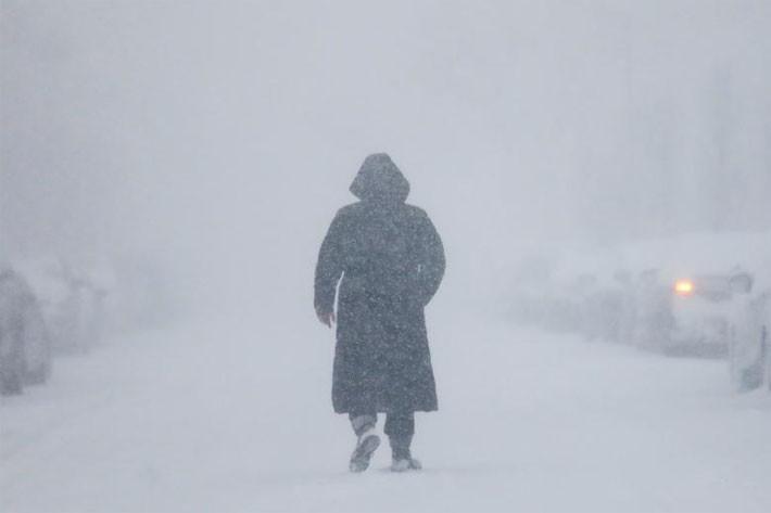 Nhiều thành phố Mỹ tê liệt vì siêu bão tuyết - ảnh 11