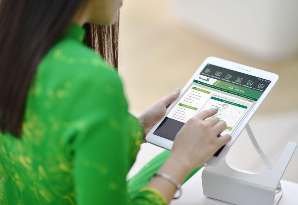 Những tính năng mới liên tục được cập nhật trên VCB-iB@nking, mang đến nhiều tiện ích cho khách hàng