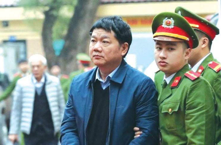 Bị cáo Đinh La Thăng trong ngày đầu xét xử. Ảnh: TTXVN