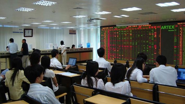 Trong năm 2017, các công ty chứng khoán đã tự tiến hành tái cấu trúc, thông qua các biện pháp như: thâu tóm sáp nhập (M&A) hay chuyển nhượng cổ phần cho cổ đông mới.