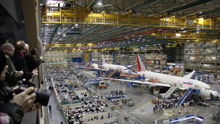 Bên trong một nhà máy sản xuất máy bay của Boeing - Ảnh: Airline Reporter.