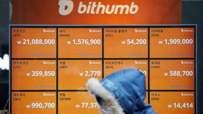 Nhiều người trẻ Hàn Quốc đang xem đầu tư tiền ảo là cách kiếm tiền nhanh nhất - Ảnh: Reuters.