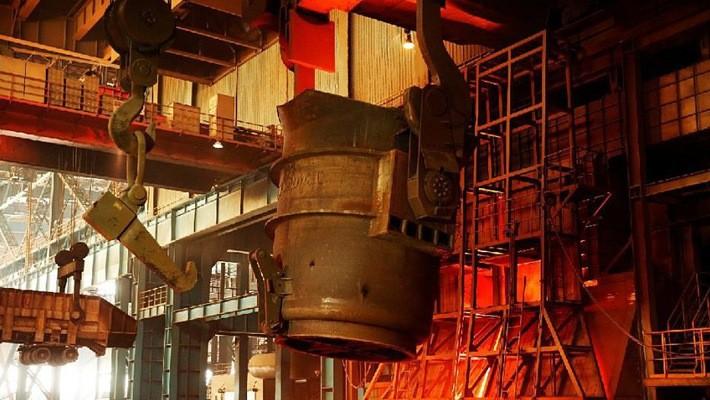 Bên trong một nhà máy sản xuất thép ở Trung Quốc - Ảnh: ABC.