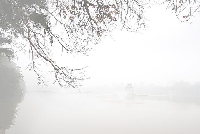 Hà Nội chìm trong sương mù - ảnh 1