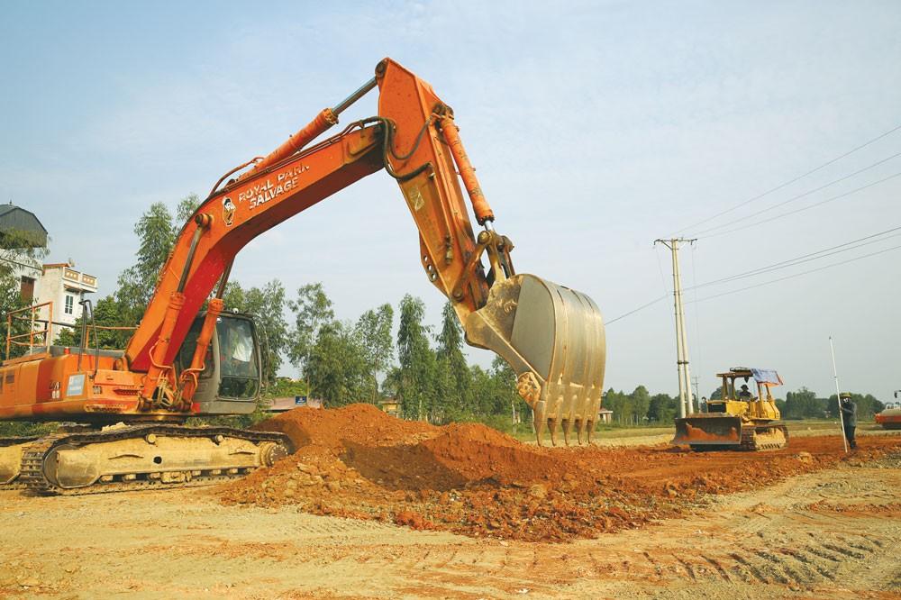 Với một quốc gia thu hút được nguồn vốn đầu tư nước ngoài tăng ồ ạt như Việt Nam, nhu cầu cải thiện hệ thống hạ tầng giao thông sẽ rất lớn. Ảnh: Tiên Giang