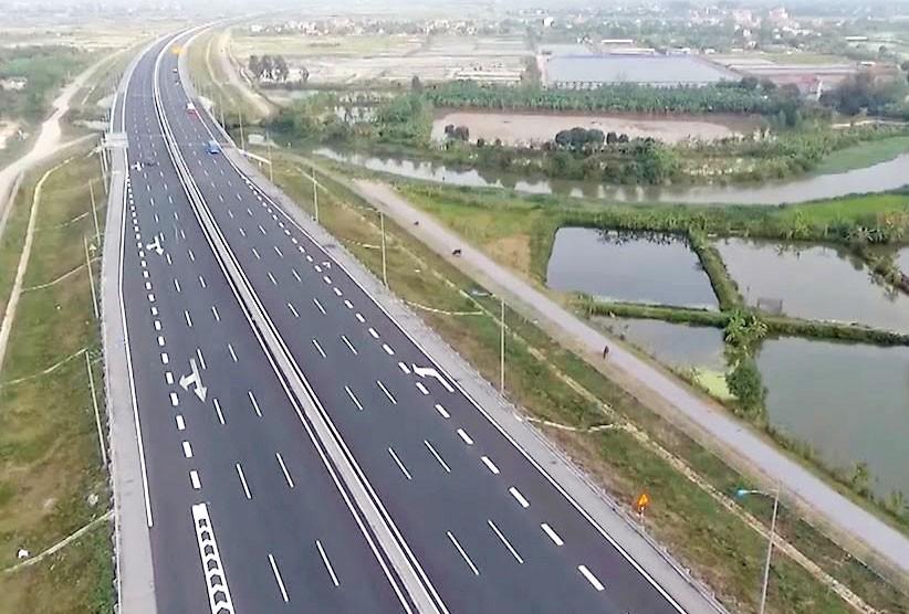 8 dự án thuộc tuyến cao tốc Bắc - Nam phía Đông sẽ được đầu tư theo hình thức PPP (hợp đồng BOT) với tổng mức đầu tư dự kiến khoảng 104.079 tỷ đồng. Ảnh: Quế Như