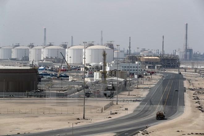 Toàn cảnh khu công nghiệp khai thác dầu và khí hóa lỏng Ras Laffan ở cách Doha (Qatar) khoảng 80km về phía Bắc. (Nguồn: AFP/TTXVN)