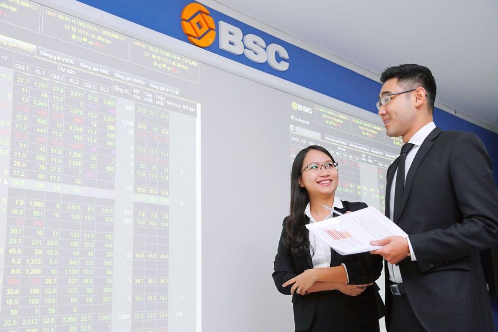 Bước sang năm 2018, thị trường chứng khoán Việt Nam tiếp tục nóng khi chỉ số Vn-Index chính thức vượt 1.000 điểm. Ảnh: Dương Thùy