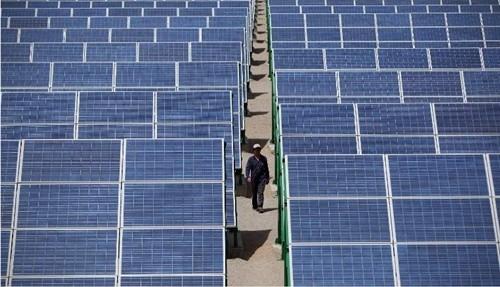 Trung Quốc là nước xuất khẩu chính pin năng lượng mặt trời vào Mỹ. Ảnh:AFP
