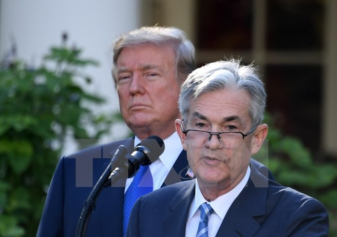 Ông Jerome Powell (phải) phát biểu tại Washington DC., ngày 2/11/2017. (Nguồn: THX/TTXVN)