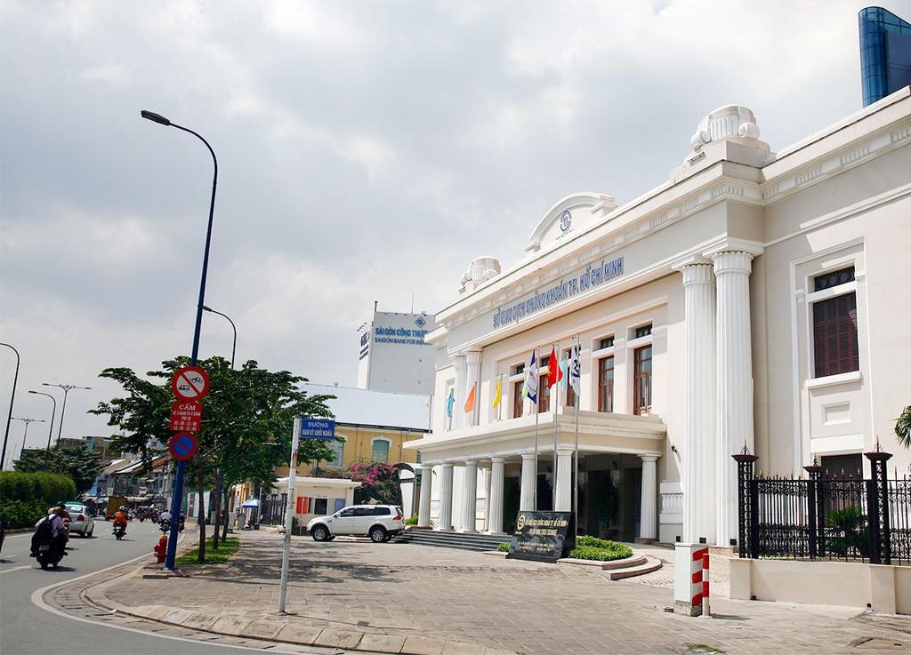 Việc ngừng giao dịch của HOSE sẽ ảnh hưởng tới uy tín của thị trường chứng khoán Việt Nam. Ảnh: Quang Tuấn
